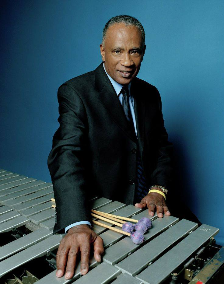 Bobby Hutcherson in suit  color pix