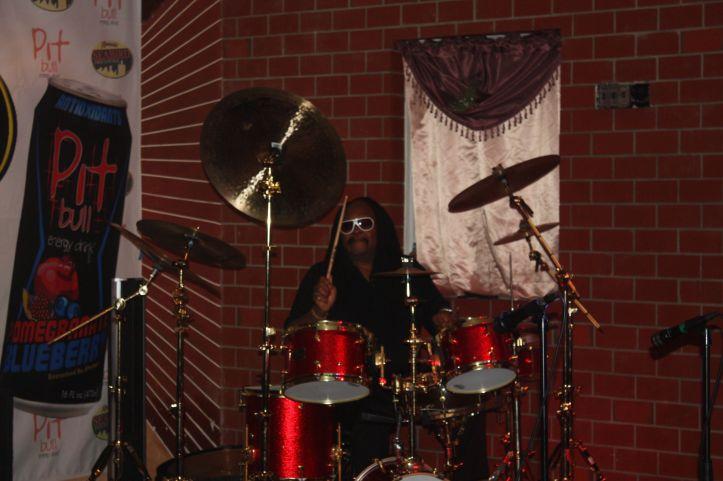 mouzon alone playing