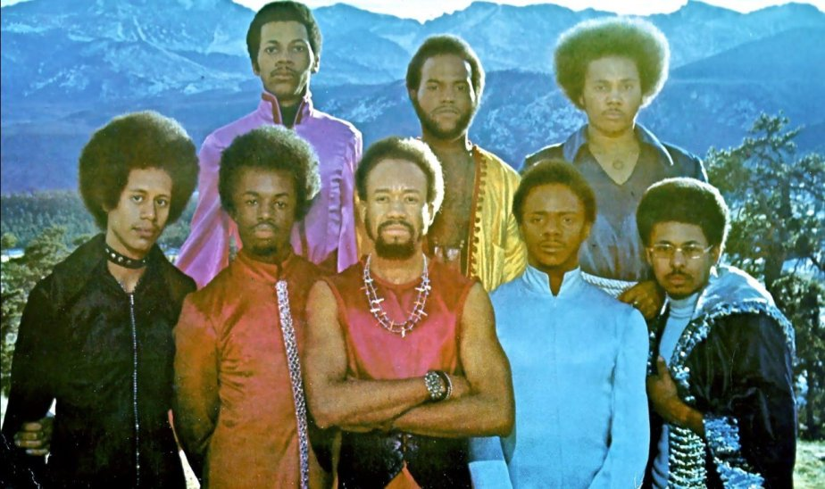 Earth Wind And Fire FB