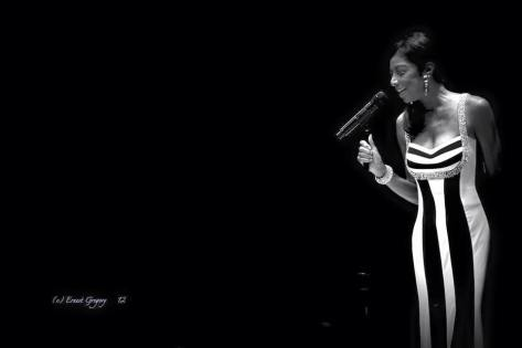 Natalie Cole  Black and White